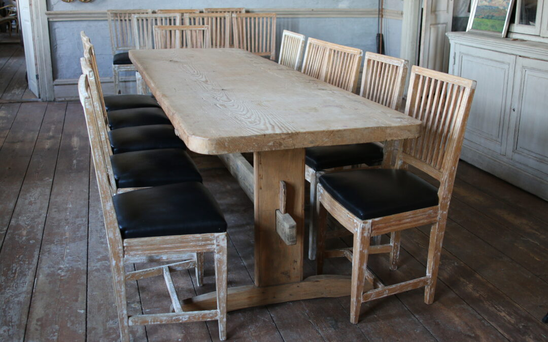Item no5, Stretcher table